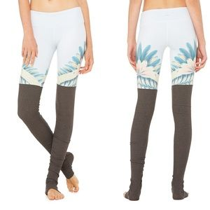 ALO Gypset Goddess legging blue tropical feathers